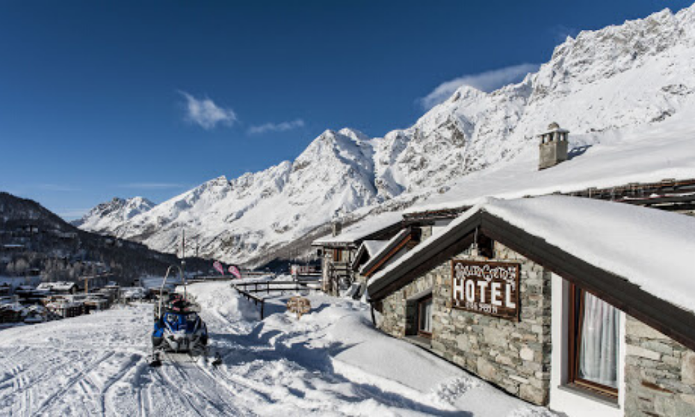 Cretaz cabin in Cervinia